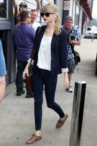 taylor-swift-formal-blazer
