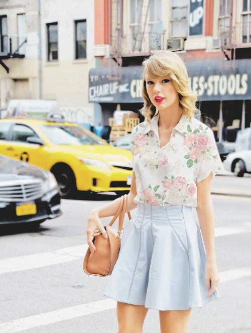 6 Taylor Swift Fashion Style I Liked Journal Of Dee Rahma