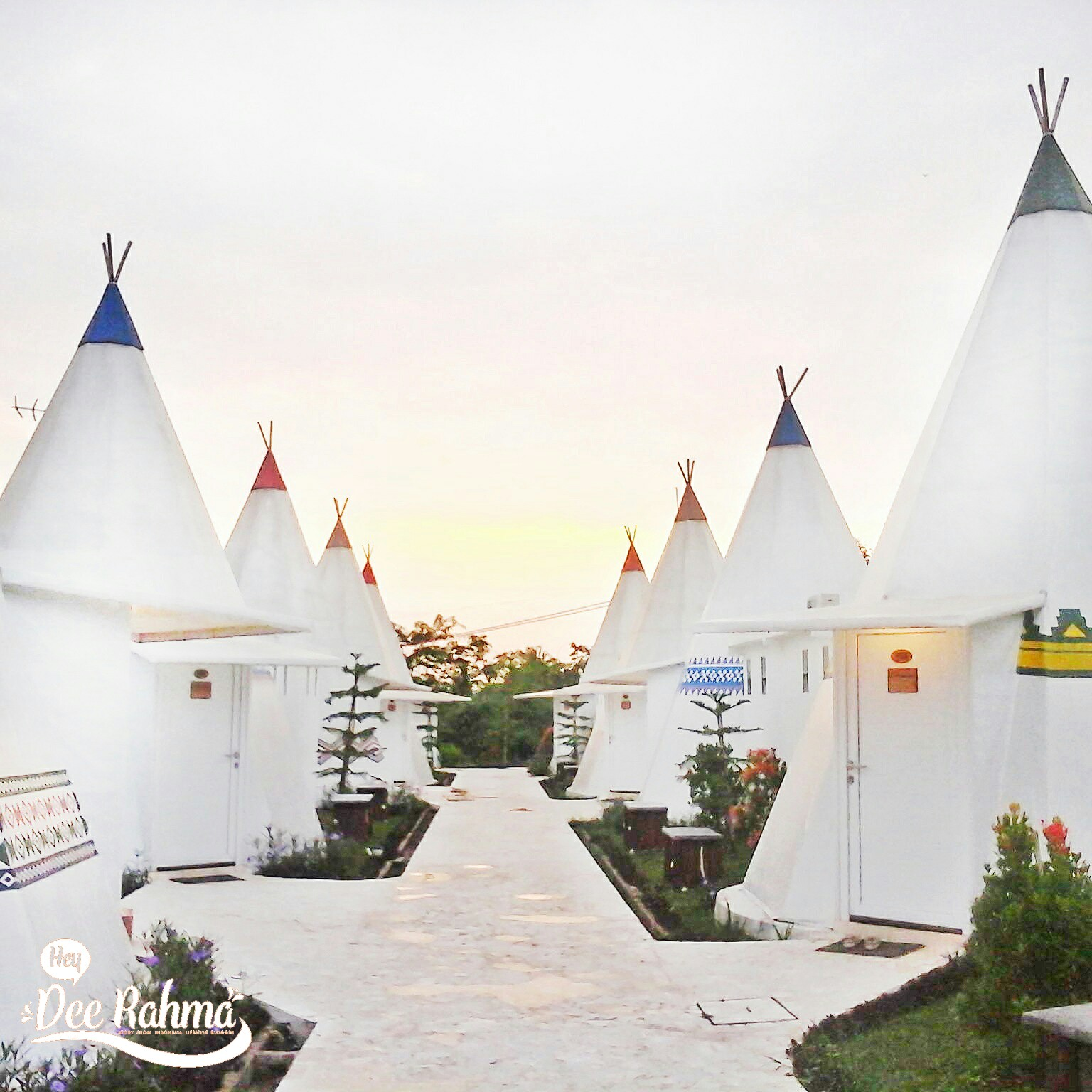 Glamping Experience di Mongolian Camp The Highland Park ...